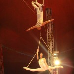 duo-dinica-contact-preturi-impresar-artisti-circ-trapez-acrobatie-aeriana