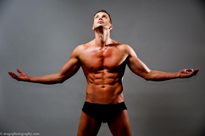 idols-boys-girls-stripteuse-stripperi-topless-show